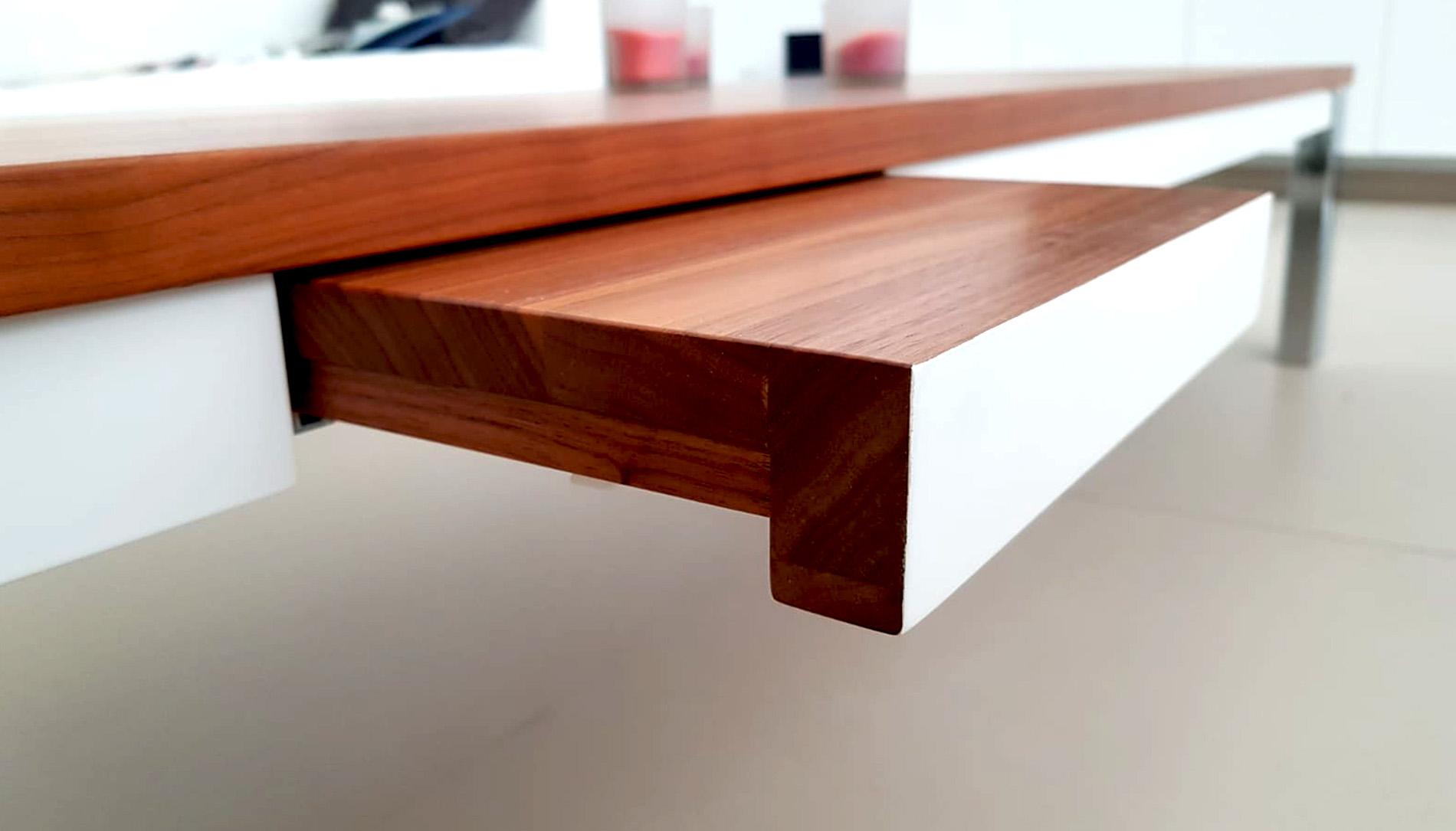 eigen-angefertigter-tisch